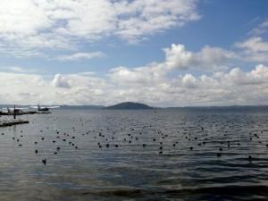 le lac dans le cratère