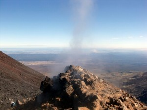 Vapeur au sommet du Ngauruhoe